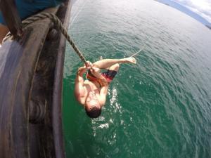 136 0068 Brasil - Paraty - Partyboat