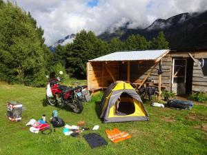 147 0003 Chile - Villa Manihuales - Camping