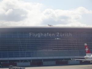 158 020 Flug in die Schweiz
