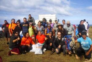 186 0649 Chile - Rapa Nui - Cleaning Day
