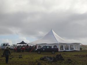186 0660 Chile - Rapa Nui - Cleaning Day